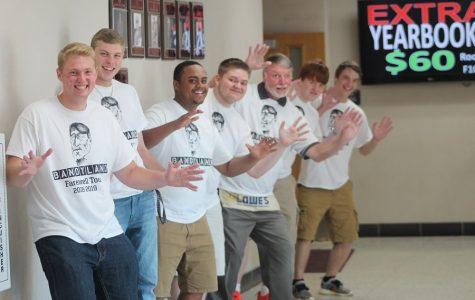 Seniors design shirts to surprise Bandy