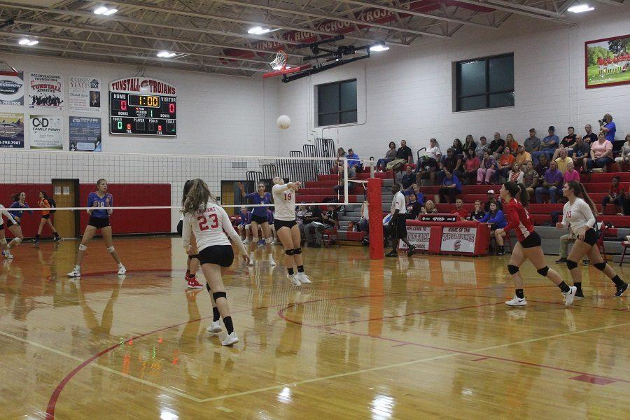 Sophomore+Kinsley+Stevens+bumps+the+ball
