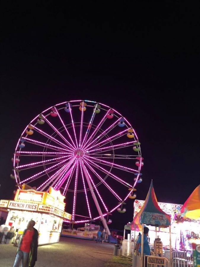 The+lit+up+Ferris+wheel+at+the+local+Pittsylvania+County+Fairgrounds.