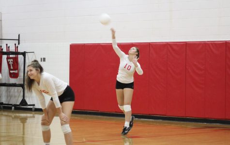 Volleyball Trojans take the district