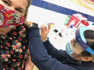 Jennifer Watson receiving her first dose